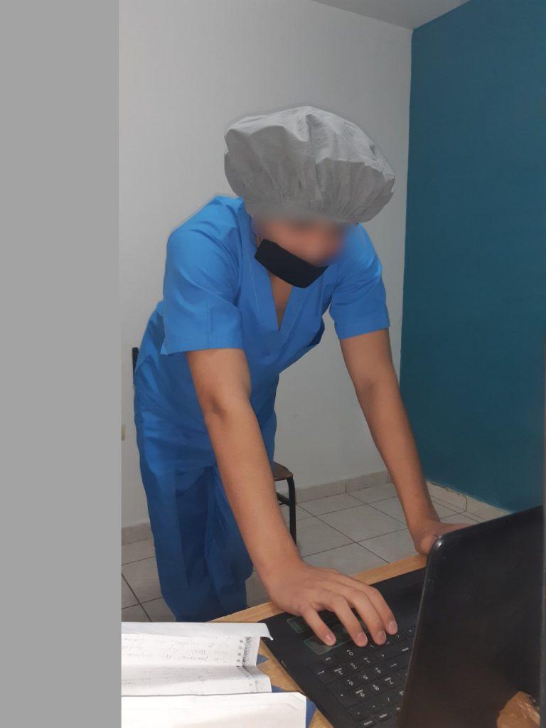 Joven del Itama inicia su carrera de medicina en linea