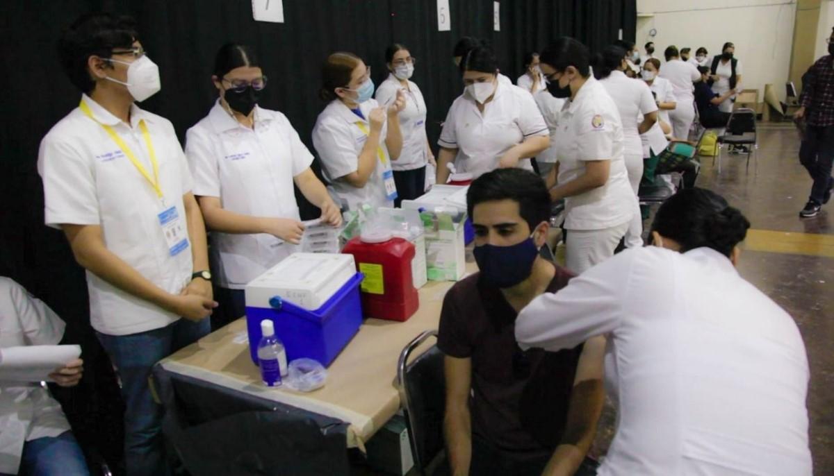 Reconoce Gobernadora respuesta de jóvenes de 18 a 29 años a la vacunación contra COVID-19