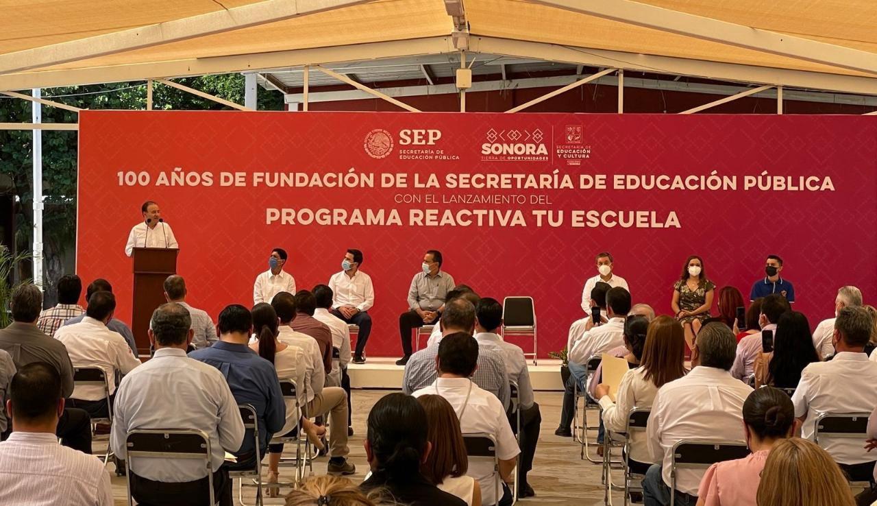 """Con el programa """"Reactiva tu escuela"""" buscaremos acondicionar todos los planteles antes de fin de año: gobernador Alfonso Durazo"""